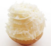 Coconut Cream Charisma cupcake