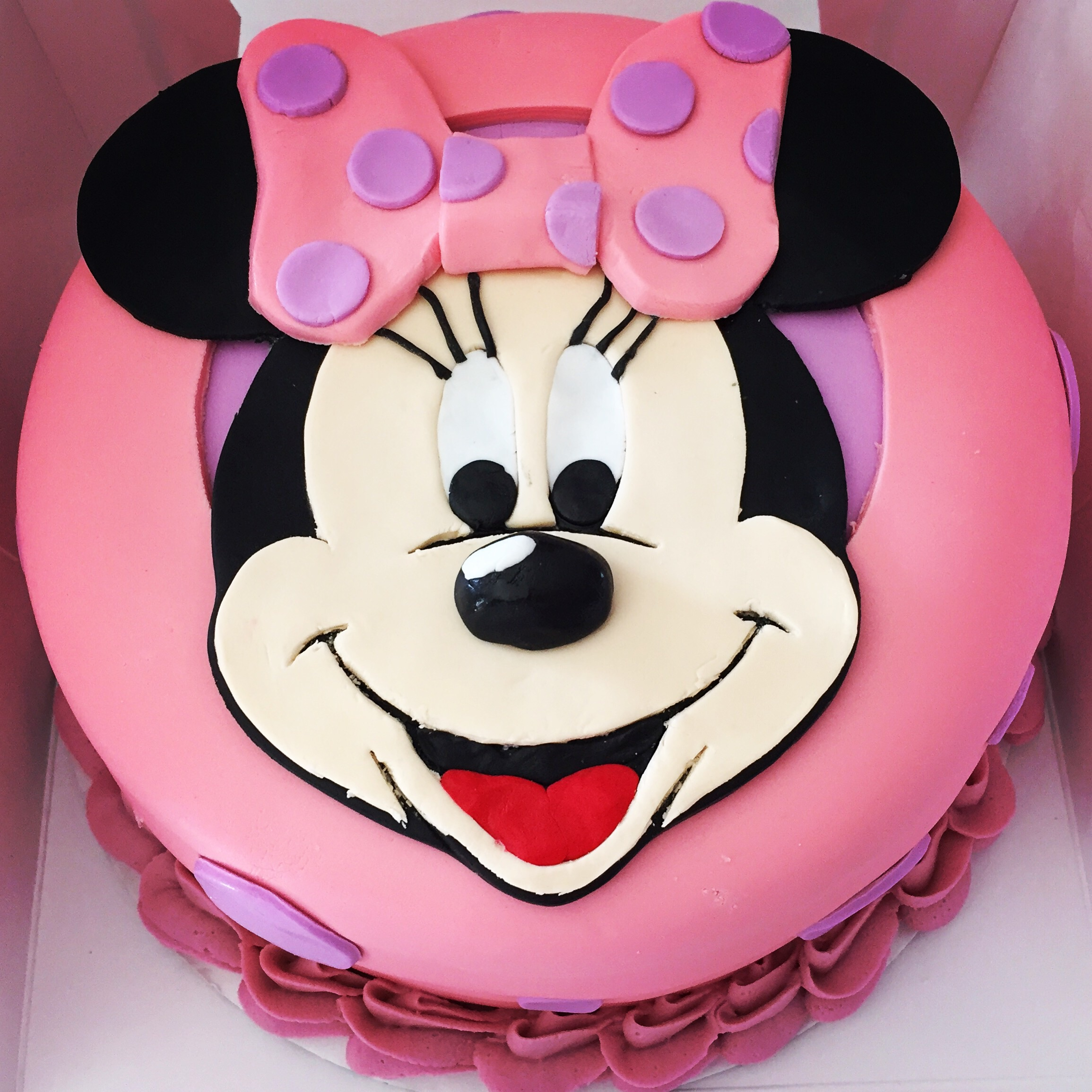 Minnie Mouse Cakes! – The Cupcake Delivers