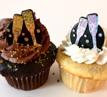 Toast to the New Year Cupcakes