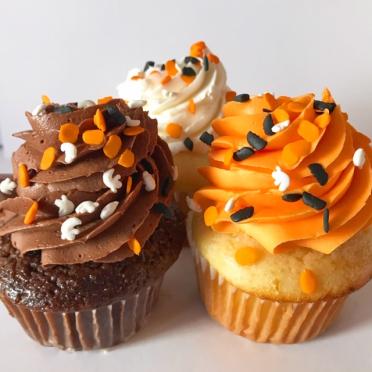 spooky sprinkle halloween cupcakes