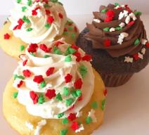 Christmas sprinkle cupcakes
