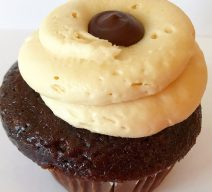 Salted Caramel Fudge Core Cupcake