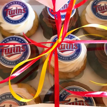 Choose your team baseball cupcakes